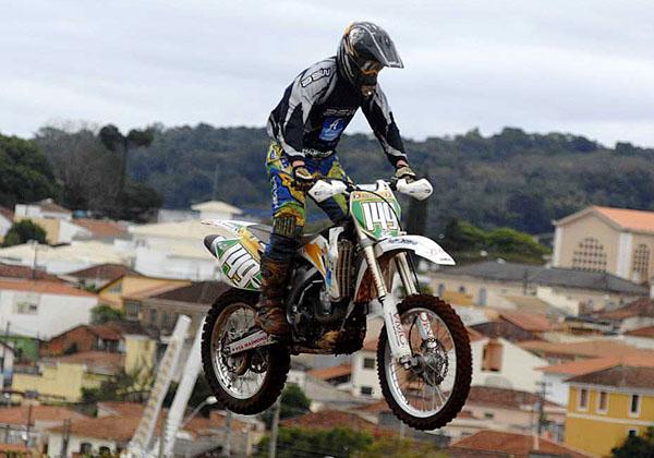 http://www.motox.com.br/publix/imagens2011/99996637_3.jpg